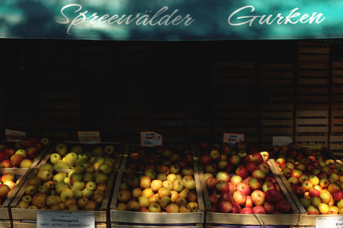 Viktualienmarkt Apples - Munich, Germany - Fuji X100F
